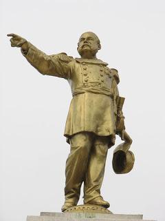 Miguel Grau estatua